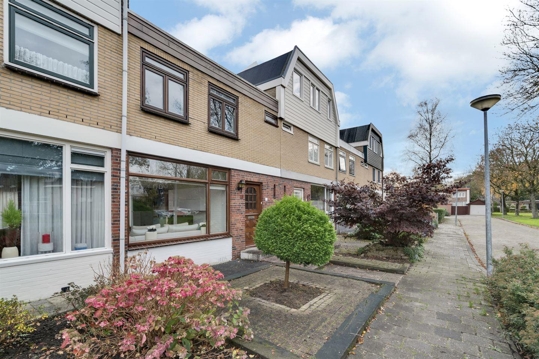 Bekijk foto 2 van Juliana van Stolbergstraat 10
