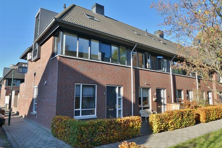 Pastoor Hackenstraat 55