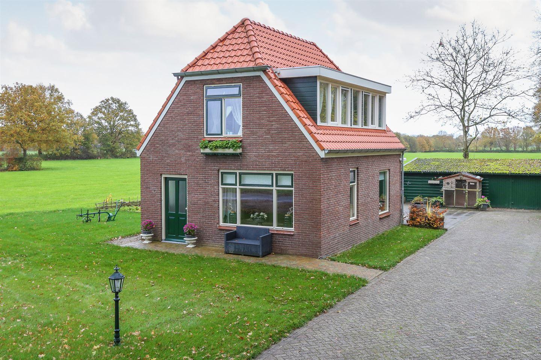 Bekijk foto 2 van Halleweg 8