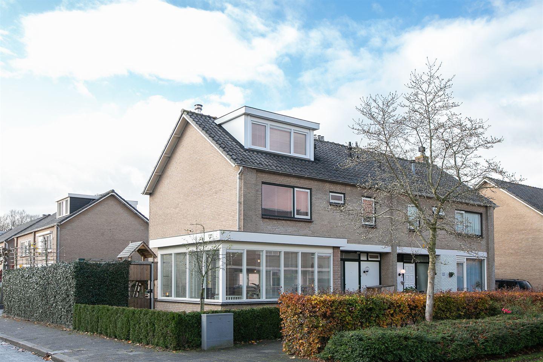 Bekijk foto 1 van H Roland Holststraat 26