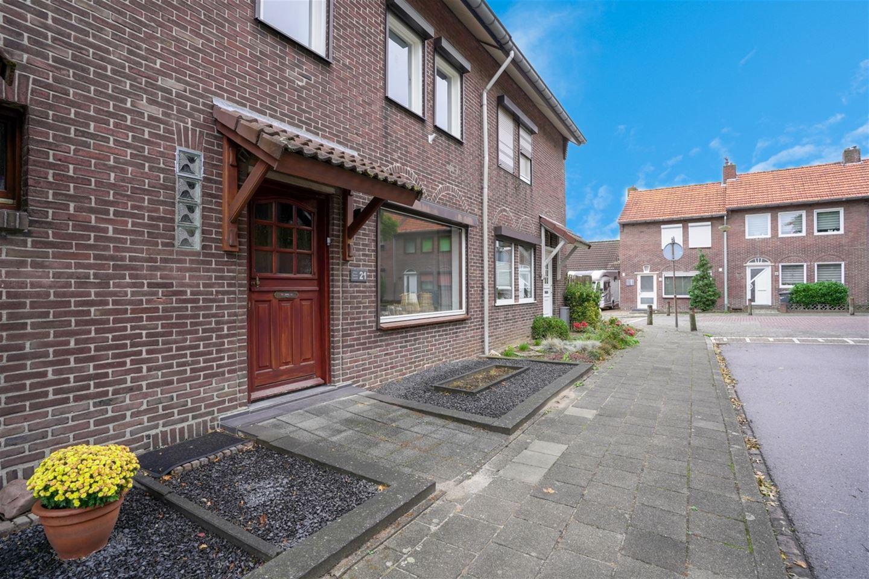 Bekijk foto 1 van Ridder Vosstraat 21