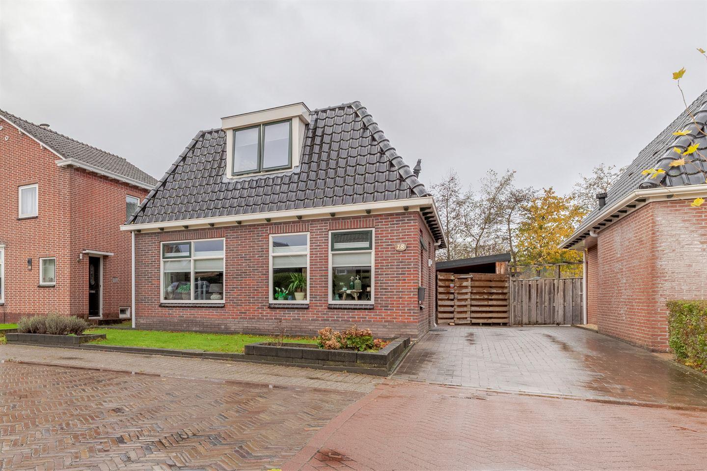 Bekijk foto 1 van H.G. van der Veenstrjitte 18