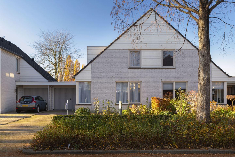 Bekijk foto 2 van Karel Doormanstraat 4