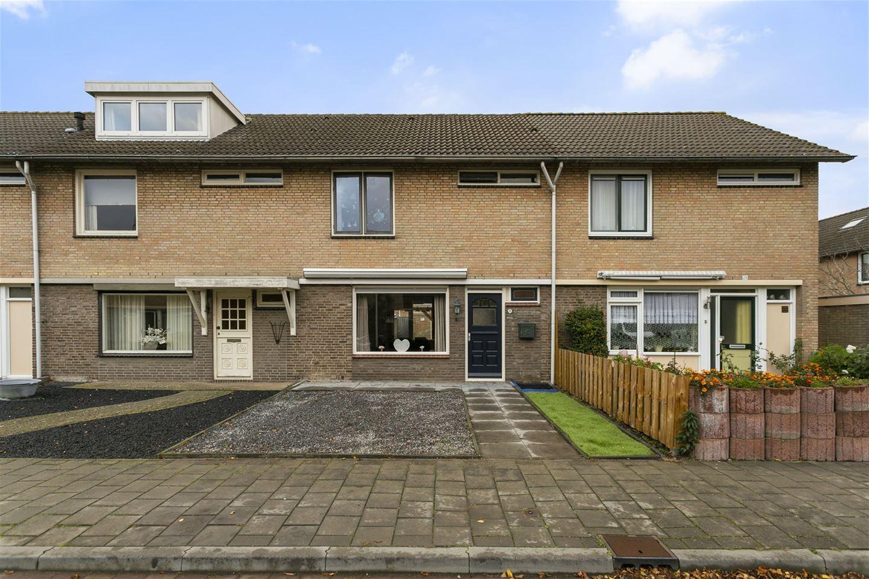 Bekijk foto 1 van Limburgstraat 23