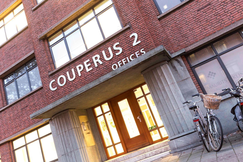 Bekijk foto 3 van Louis Couperusplein 2
