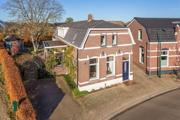 Dorpsstraat 25