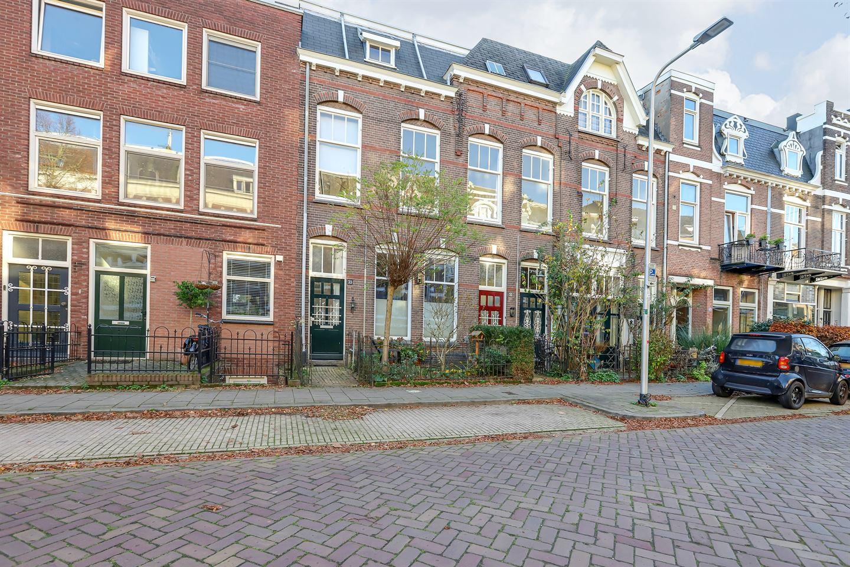 Bekijk foto 1 van Jacob Canisstraat 53