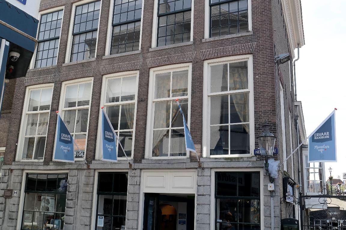 Bekijk foto 2 van Nieuwstraat 2 A