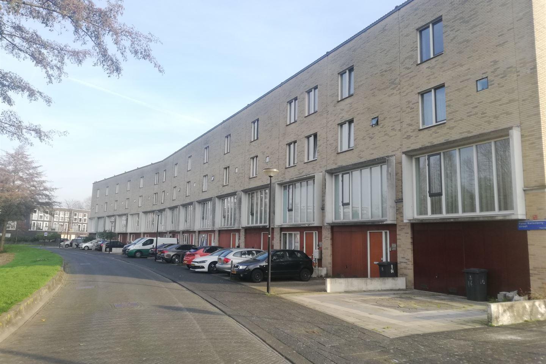 Bekijk foto 2 van Raoul Wallenbergstraat 66