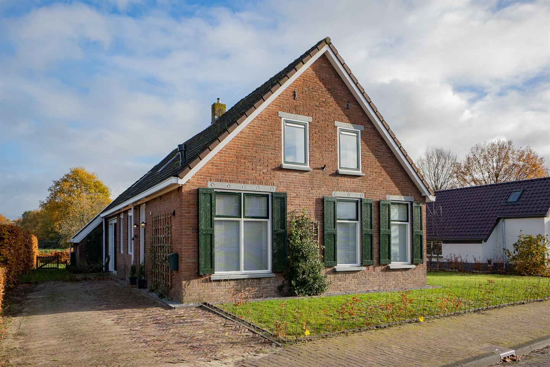 View photo 1 of Smeestraat 22