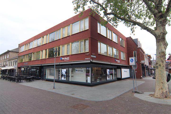 Grotestraat 96