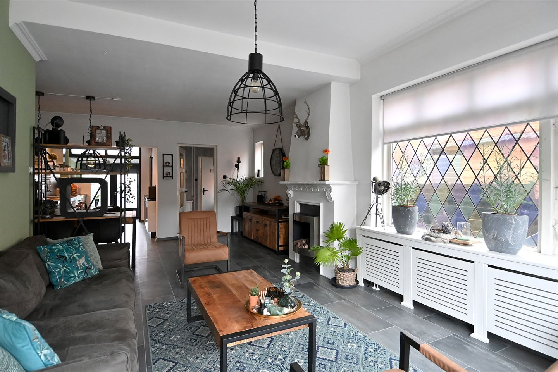 Bekijk foto 2 van Van Hoornstraat 10