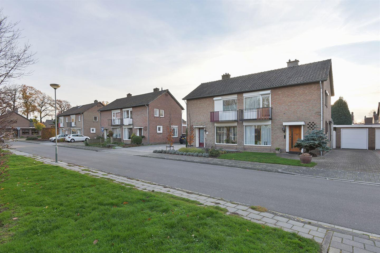 Bekijk foto 3 van Jan van Valkenburgstraat 10