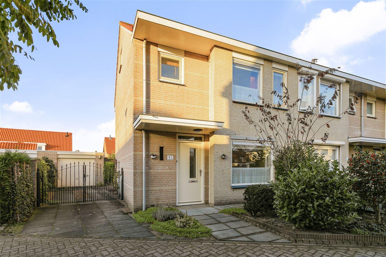 Bekijk foto 1 van Van Gistelstraat 15