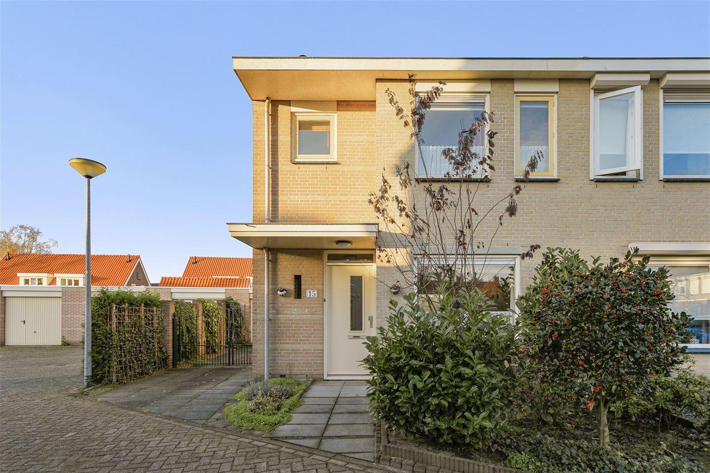 Bekijk foto 2 van Van Gistelstraat 15
