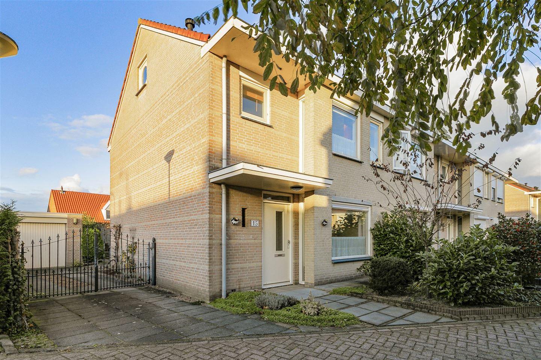 Bekijk foto 3 van Van Gistelstraat 15