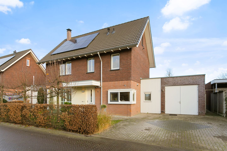 View photo 2 of Sperwerstraat 6
