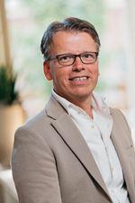 Alexander van Garderen (Office manager)