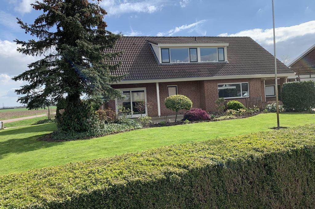 Bekijk foto 3 van Oosterhoutsestraat 2