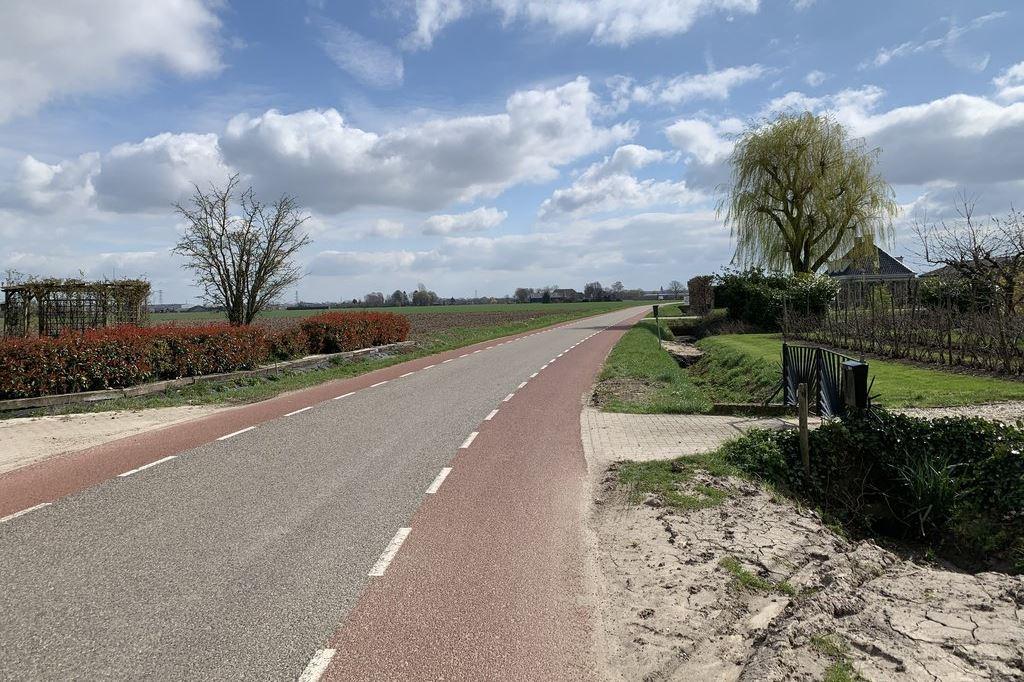 Bekijk foto 4 van Oosterhoutsestraat 2