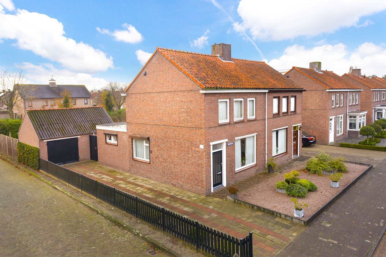 Bekijk foto 1 van Molenplein 2