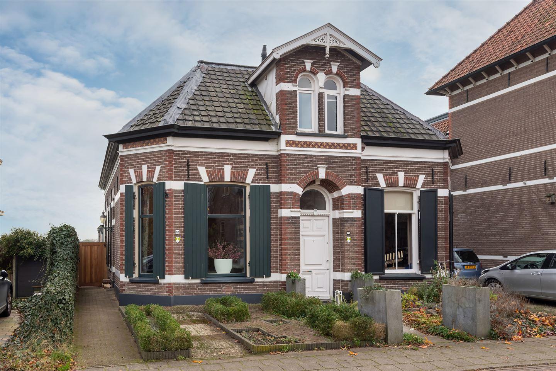Bekijk foto 1 van Zutphensestraatweg 62