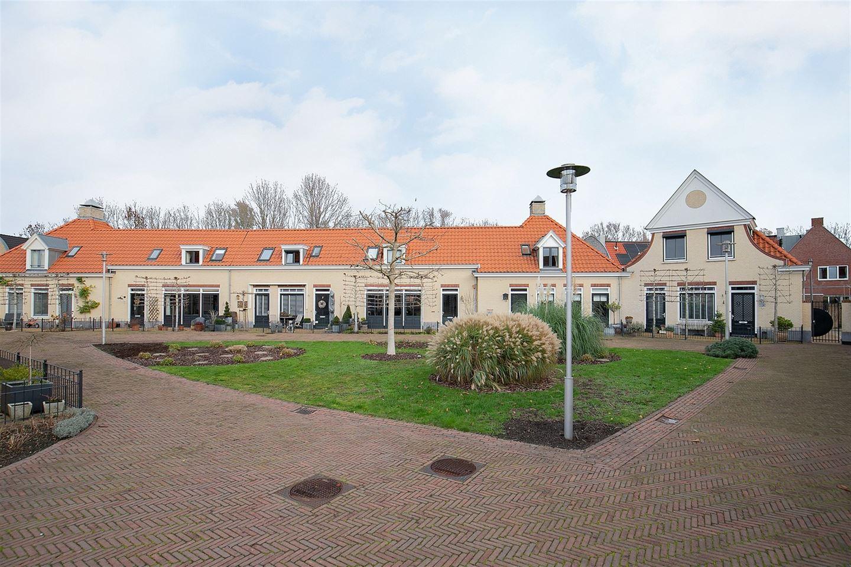 Bekijk foto 2 van M. van Zeggelenhof 8