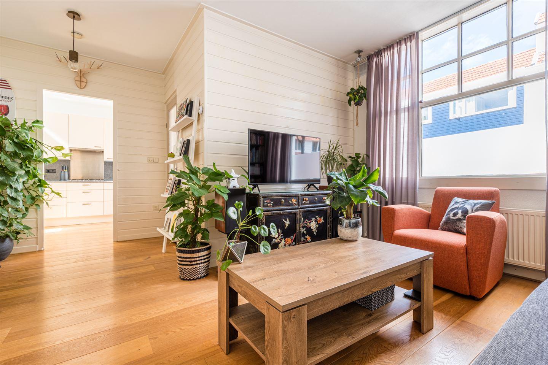Bekijk foto 2 van C.Th. Kamphuijsstraat 54
