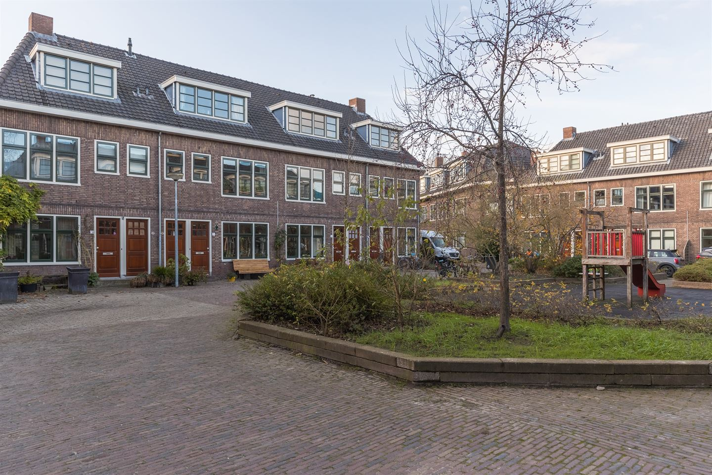 Bekijk foto 1 van Albertine Agnesplein 6