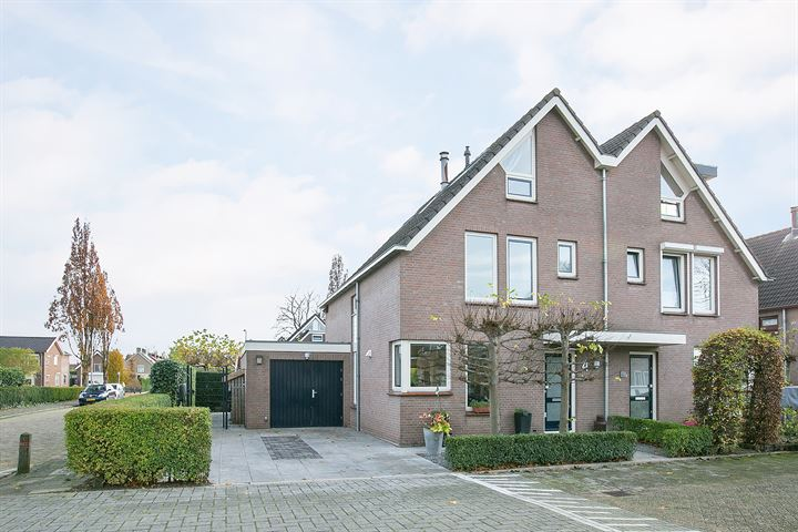 J. van Oldenbarneveldtstraat 4