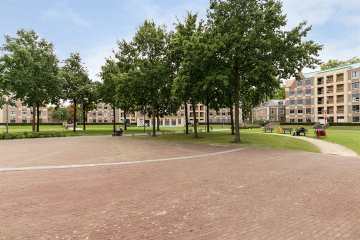 Frans Joseph van Thielpark 27