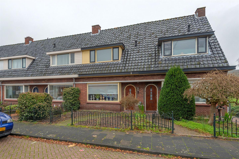 Bekijk foto 1 van J.D. van Leeuwenstraat 4