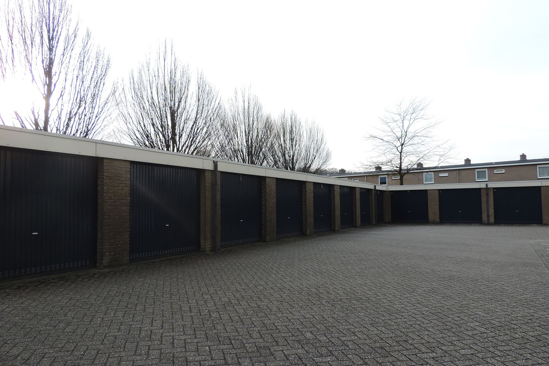 View photo 2 of Robert Kochstraat 47 9