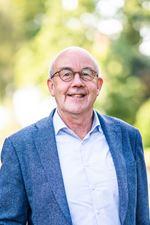Gerard Bakker, Vastgoedadviseur -