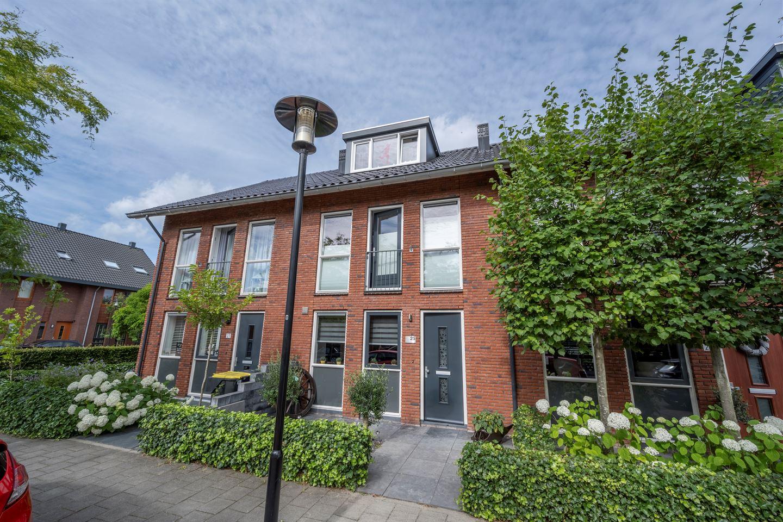 Bekijk foto 1 van Opper Van Treurenstraat 25