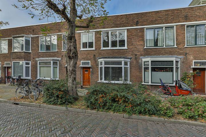 Petrus Driessenstraat 8