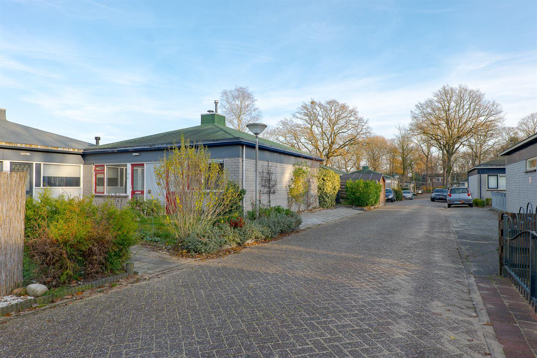 View photo 2 of Hakkertstraat 18