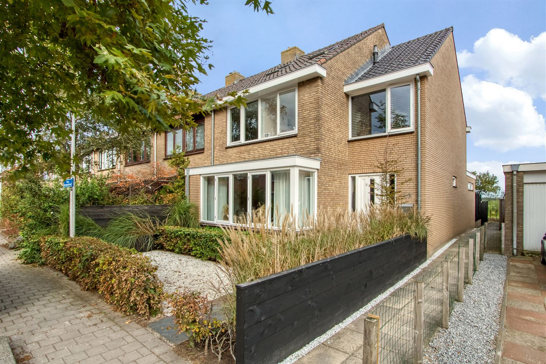 View photo 4 of Prins Bernhardstraat 43