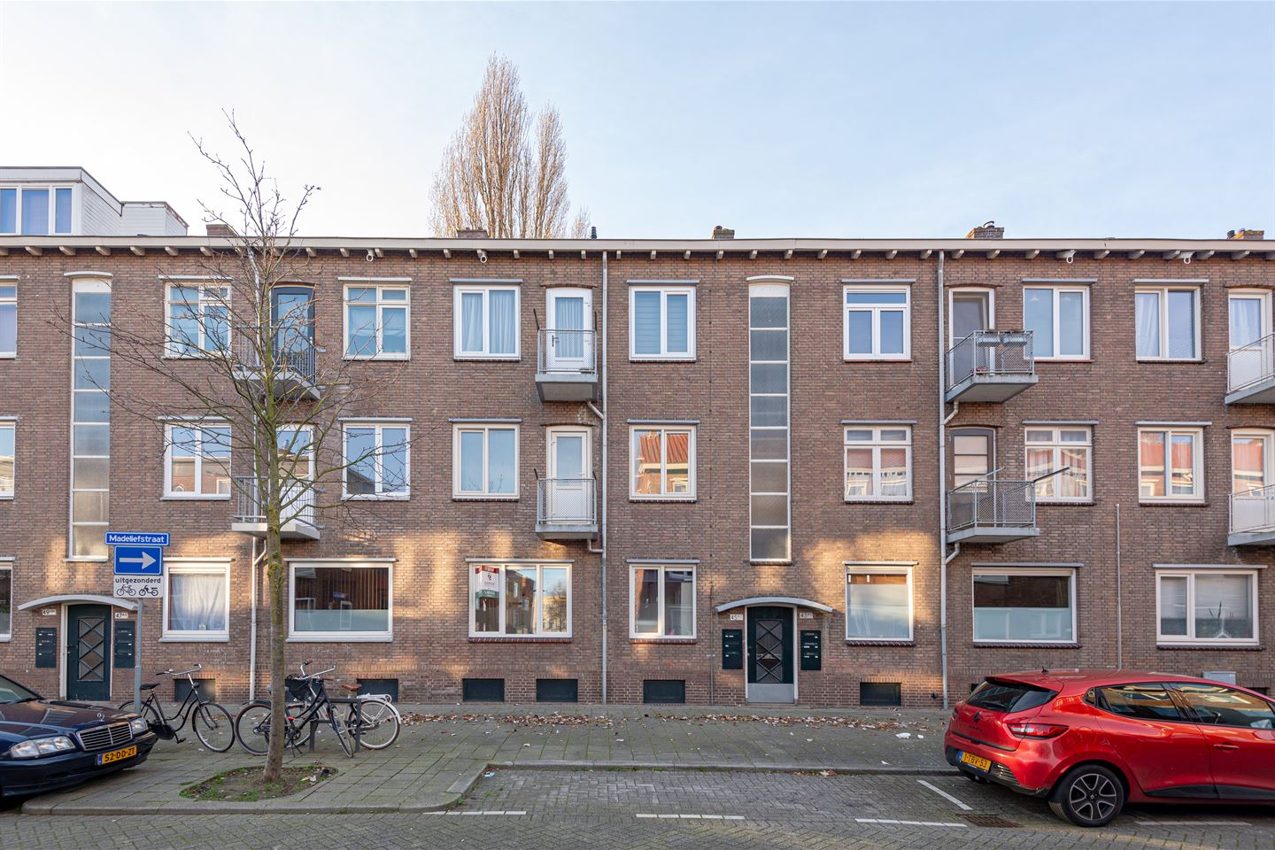 View photo 2 of Madeliefstraat 45 A