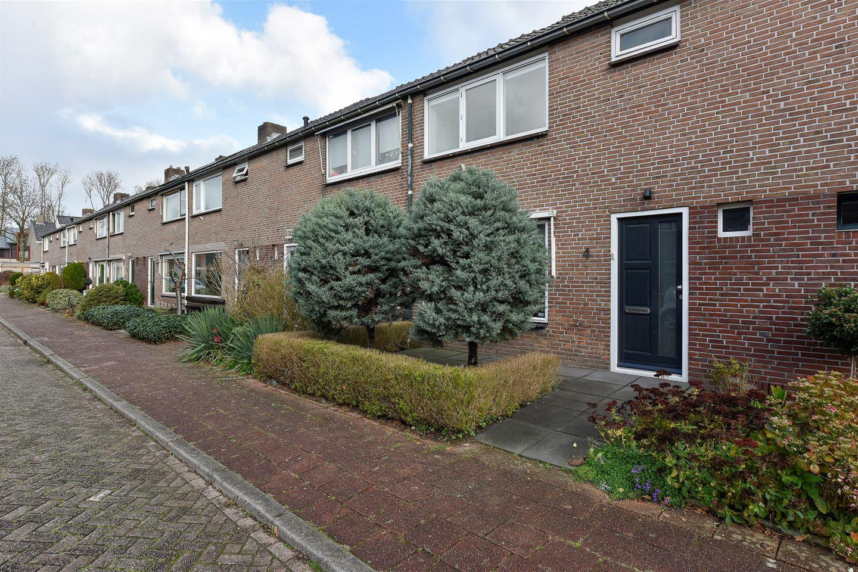 Bekijk foto 1 van van den Bosstraat 4