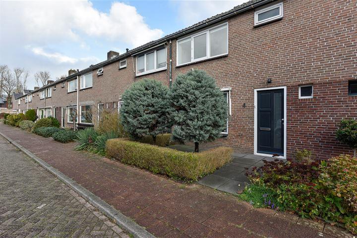 van den Bosstraat 4