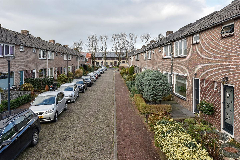 Bekijk foto 2 van van den Bosstraat 4