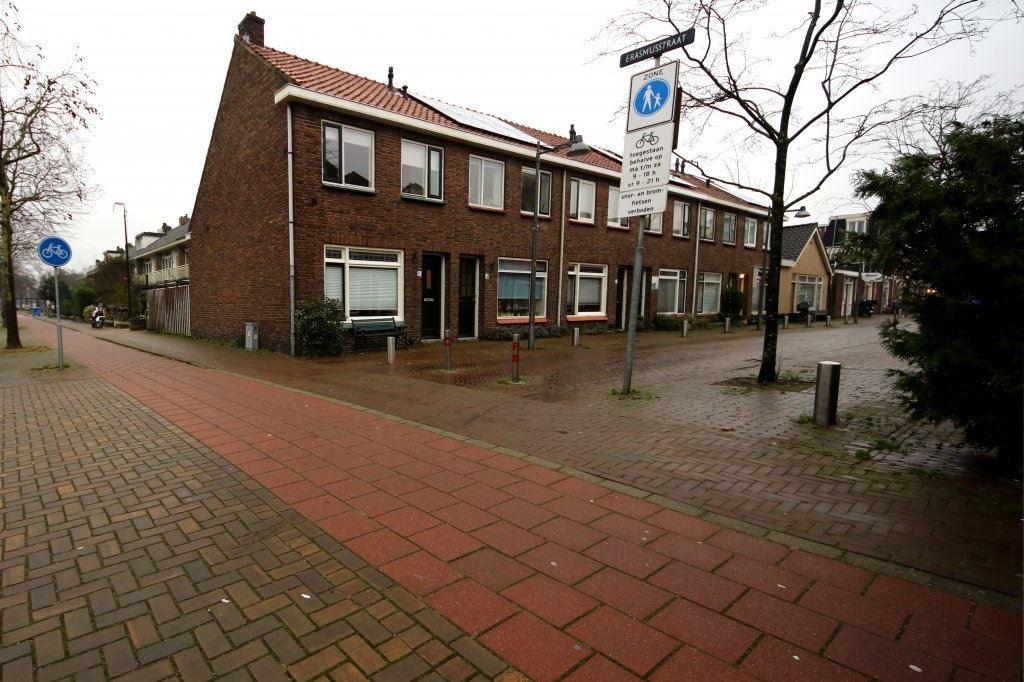Bekijk foto 1 van Erasmusstraat 16