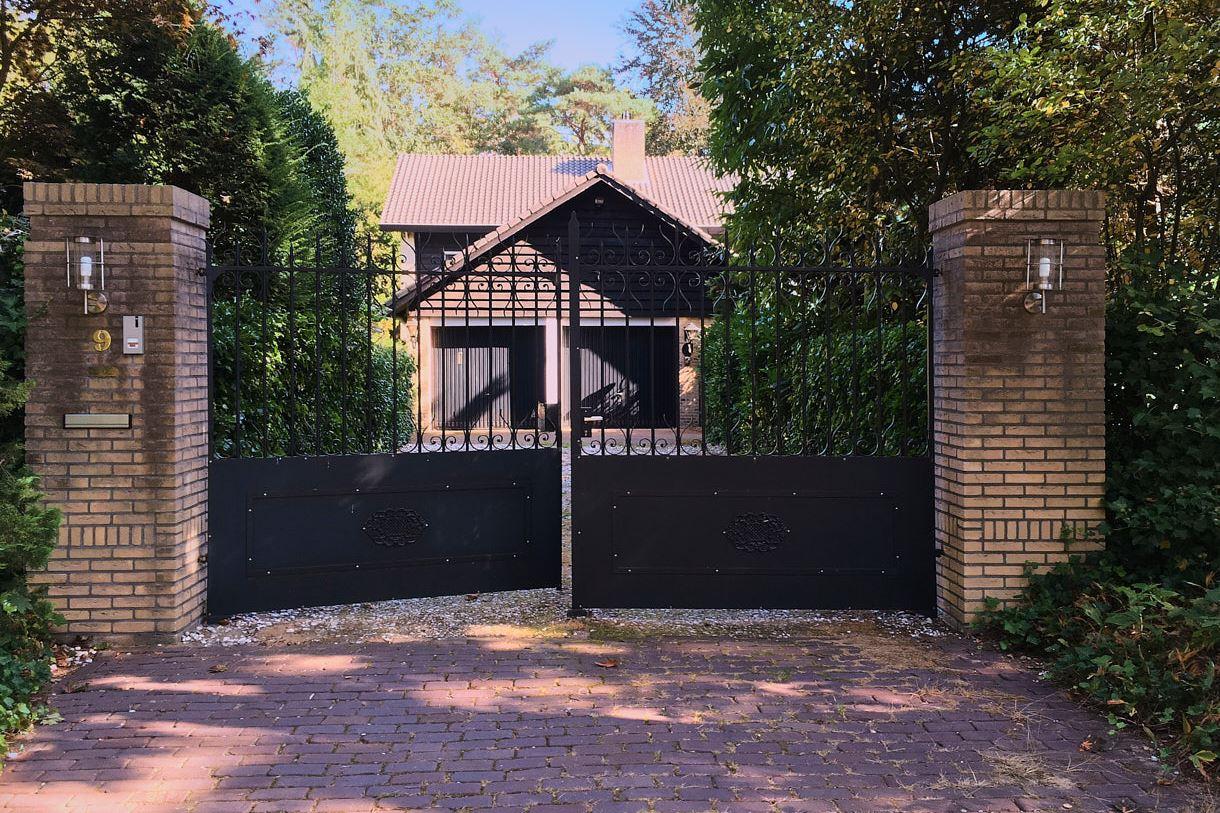 Bekijk foto 2 van Prins Constantijnlaan 9