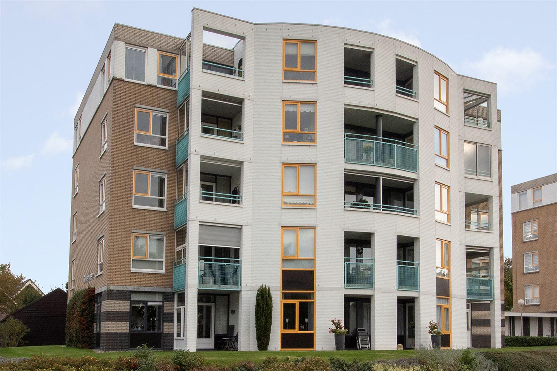 Bekijk foto 1 van R.J. Nieuwoldstraat 27