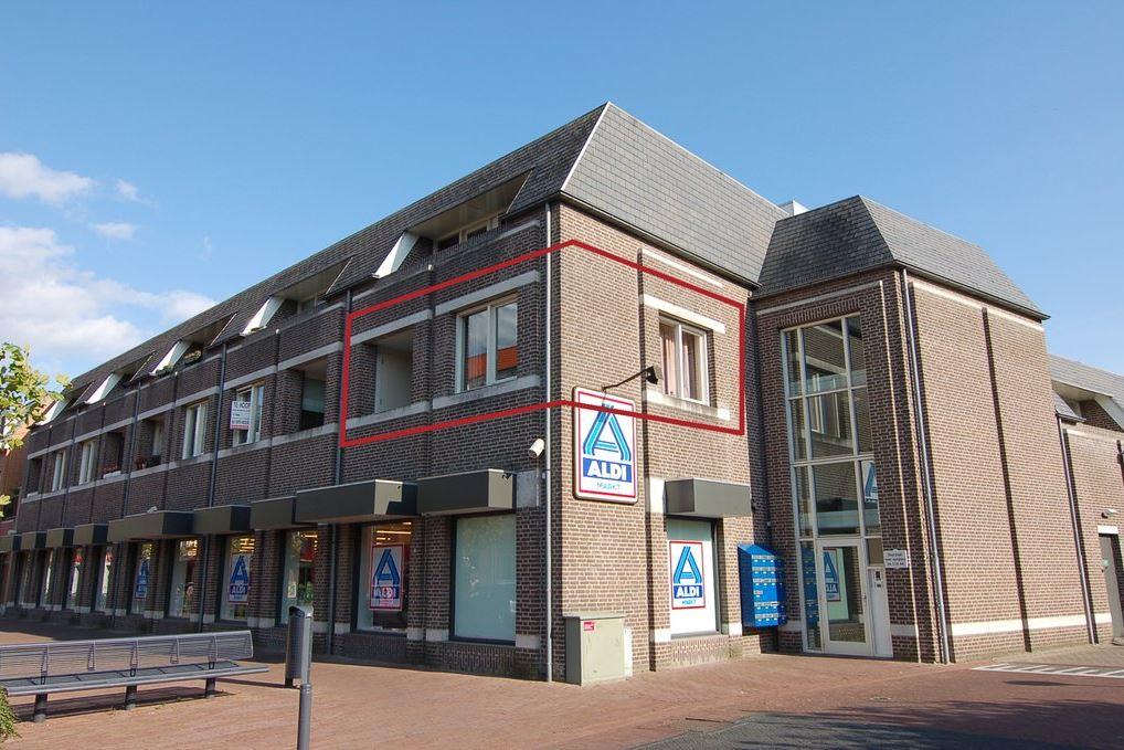 Bekijk foto 1 van Dorpstraat 30