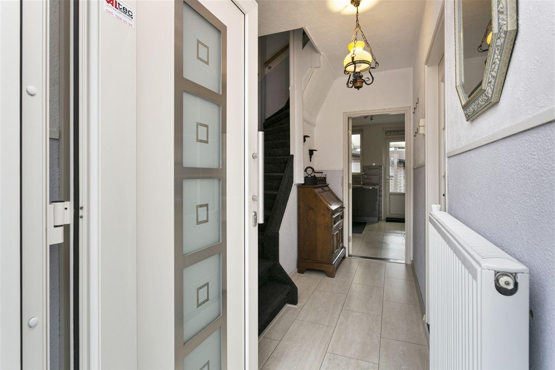 Bekijk foto 2 van Mgr. Vranckenstraat 15