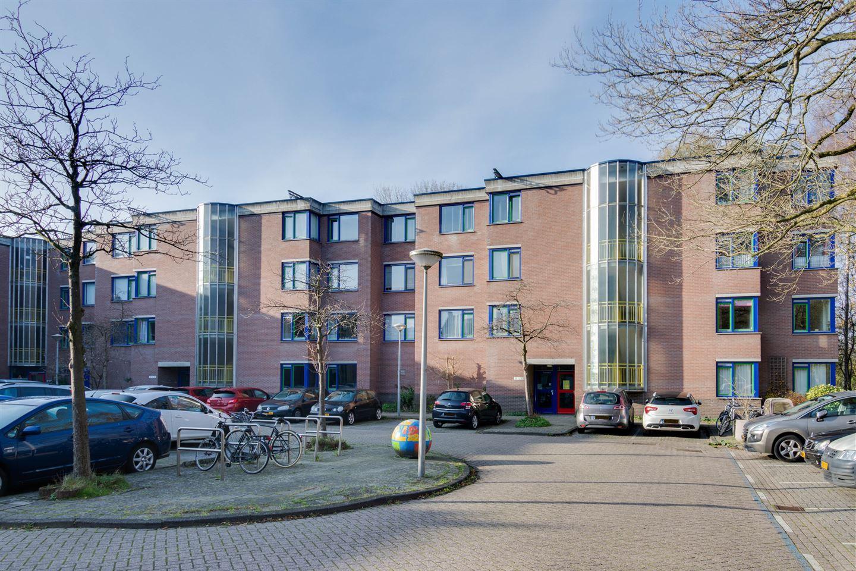 Bekijk foto 2 van Catharina Boudewijnshof 101