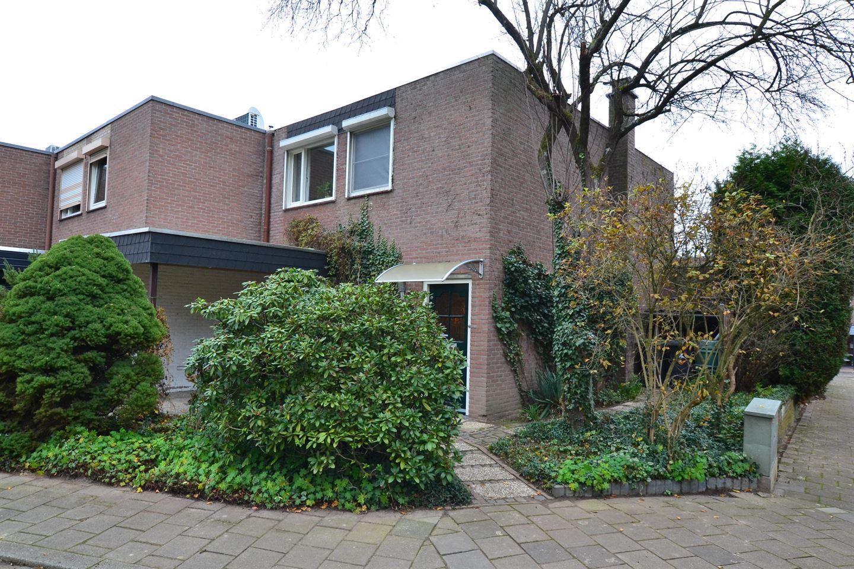 Bekijk foto 2 van Hagenroderstraat 27