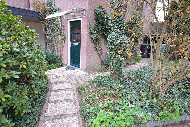 Bekijk foto 3 van Hagenroderstraat 27